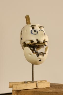 Stop-motion animation head mechanics